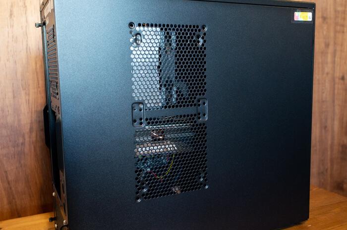 ガレリアZZ 9900Kのケース外観
